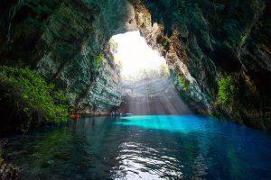 Cueva de Melissani o Gruta de las Ninfas en Cefalonia
