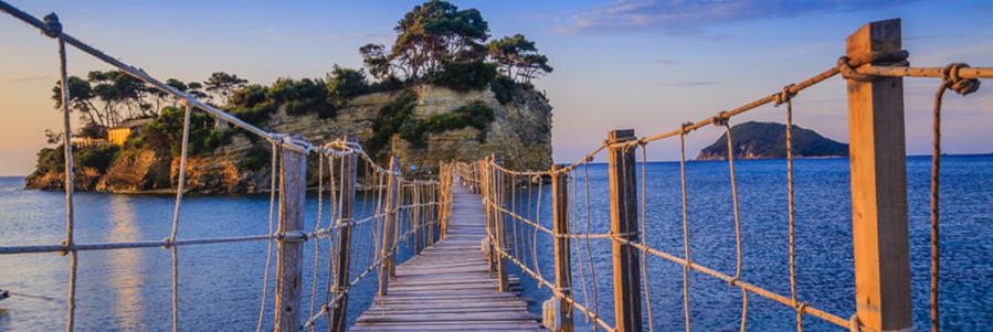 Puente de madera en Zakynthos