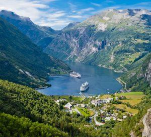 Paisaje de fiordos Noruegos