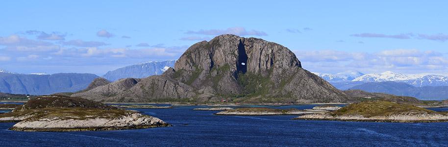 Montaña de Torghatthullet