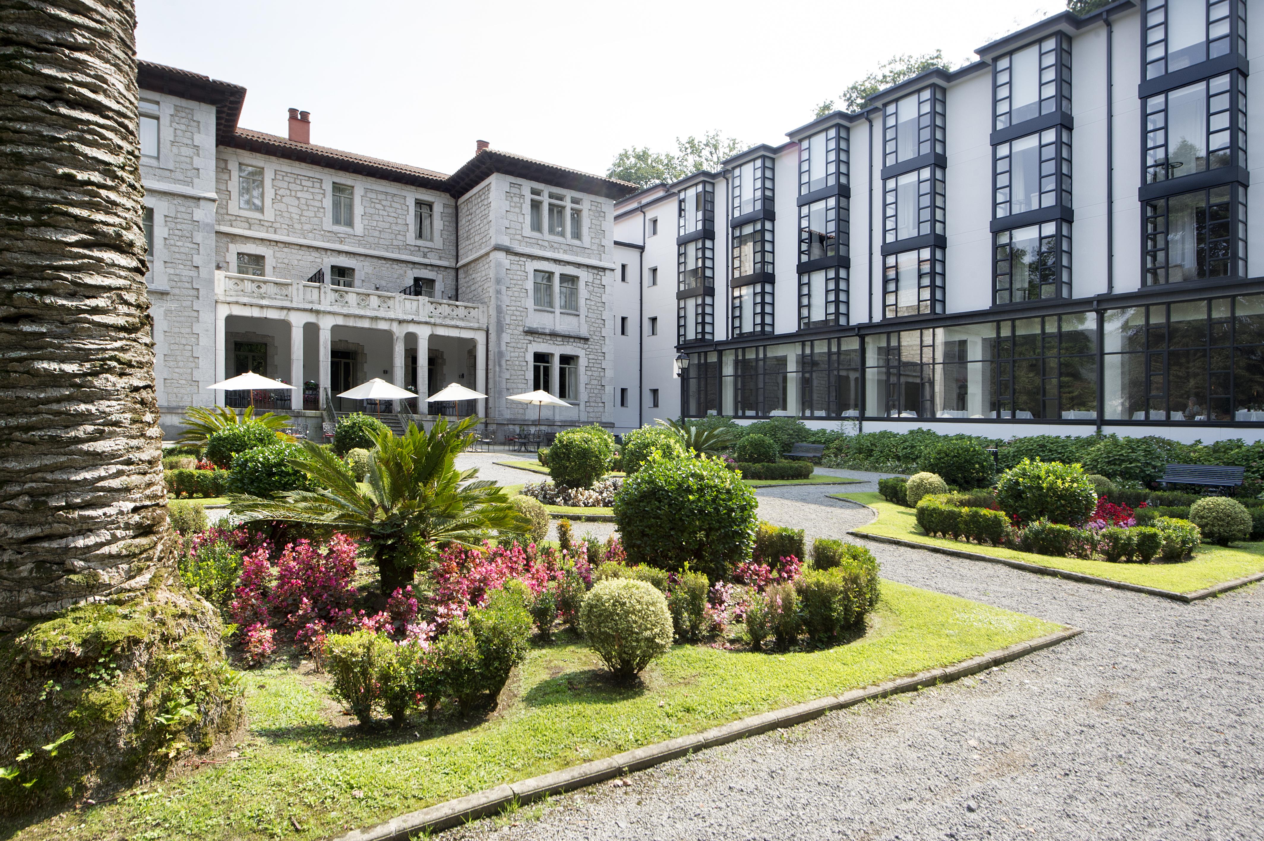 Hoteles con piscina cubierta en cantabria provincia espa a viajes el corte ingl s - Hoteles en cantabria con piscina ...
