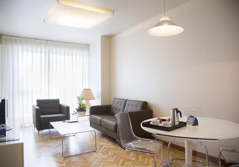 Hotel Sercotel Suites Mirasierra, hotel en Pamplona - Viajes el ...