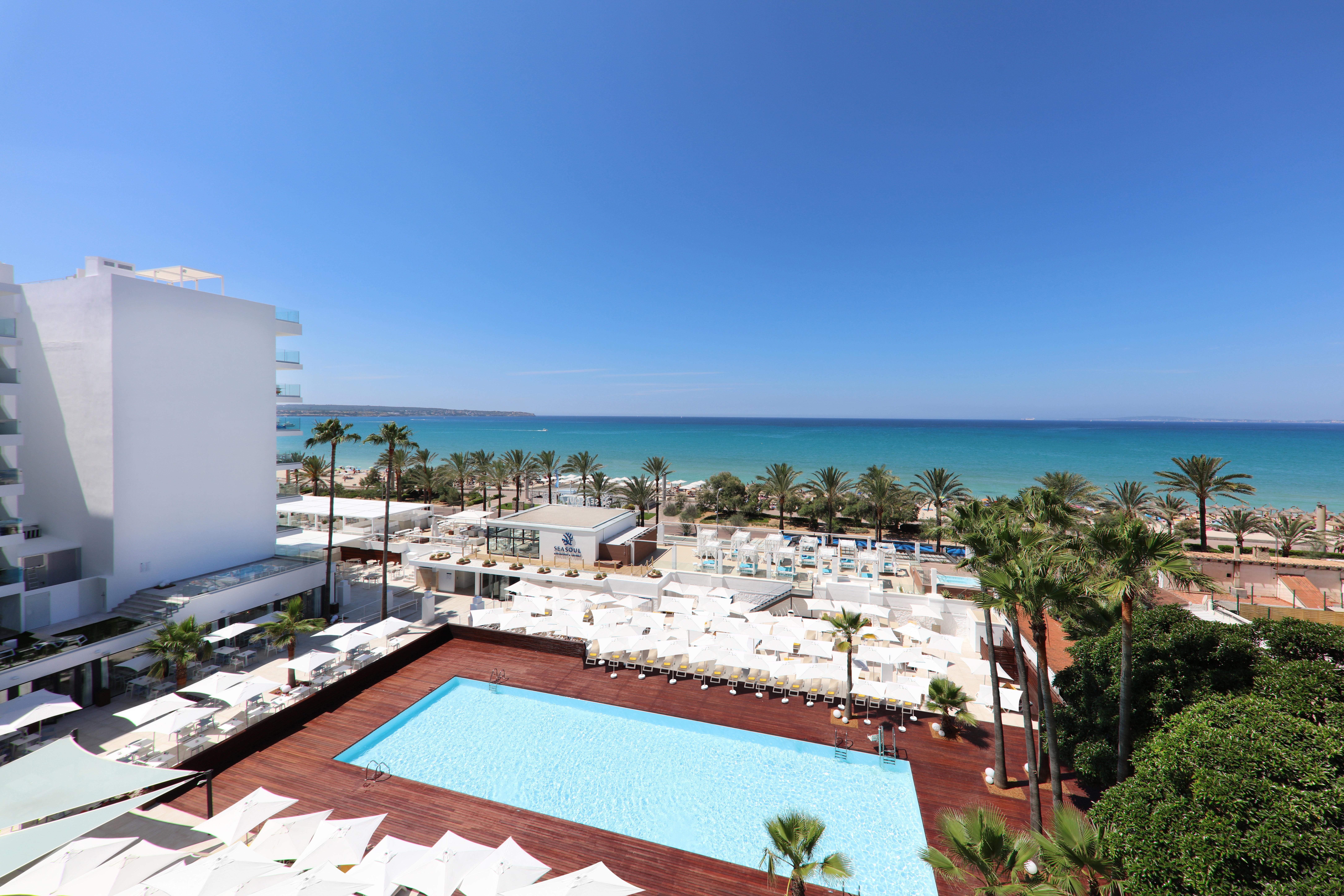 Iberostar bah a de palma hotel en playa de palma viajes for Habitacion familiar iberostar mallorca