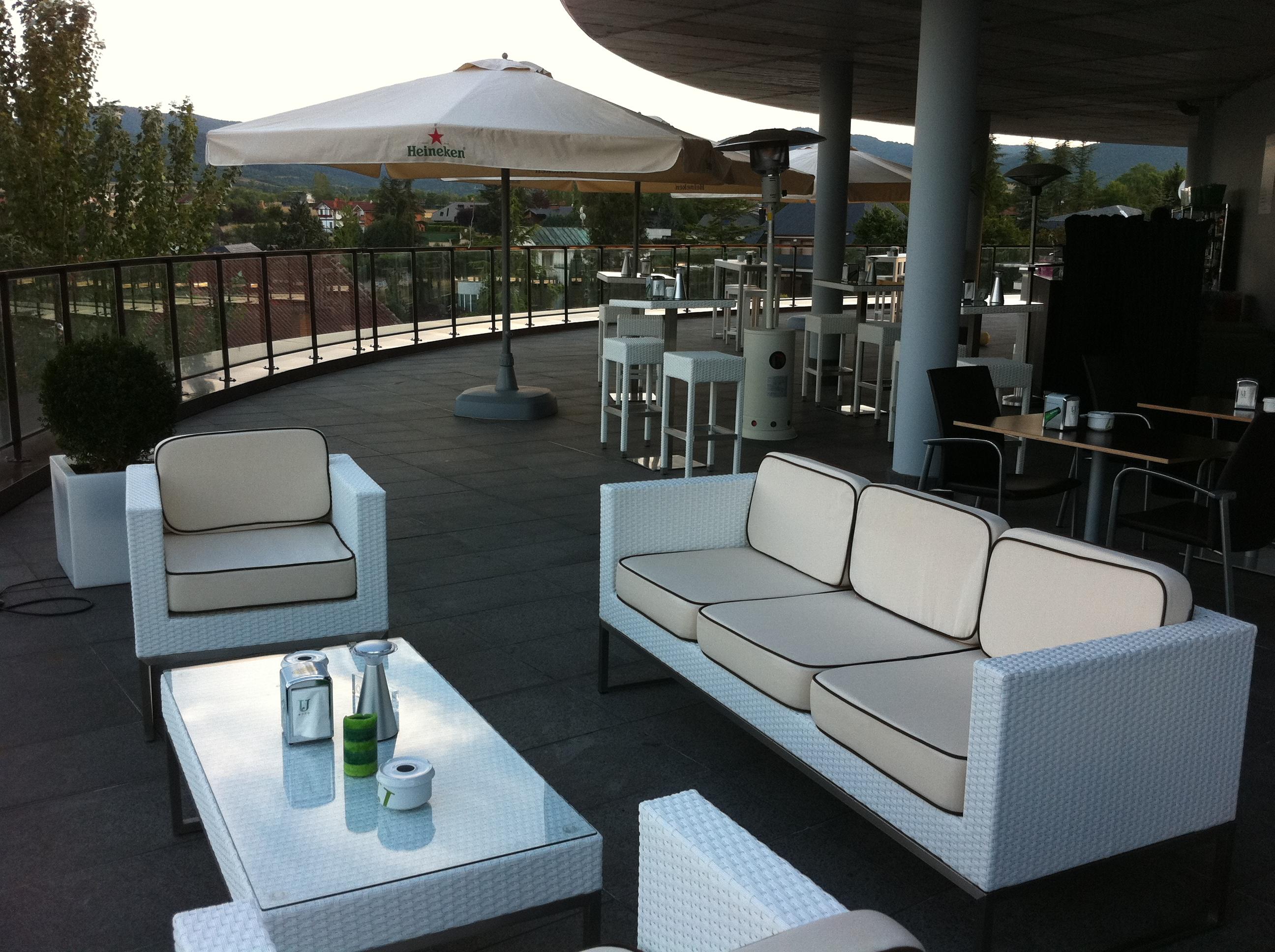 Zenit jardines de uleta suites hotel en vitoria viajes for Hotel jardines de uleta vitoria