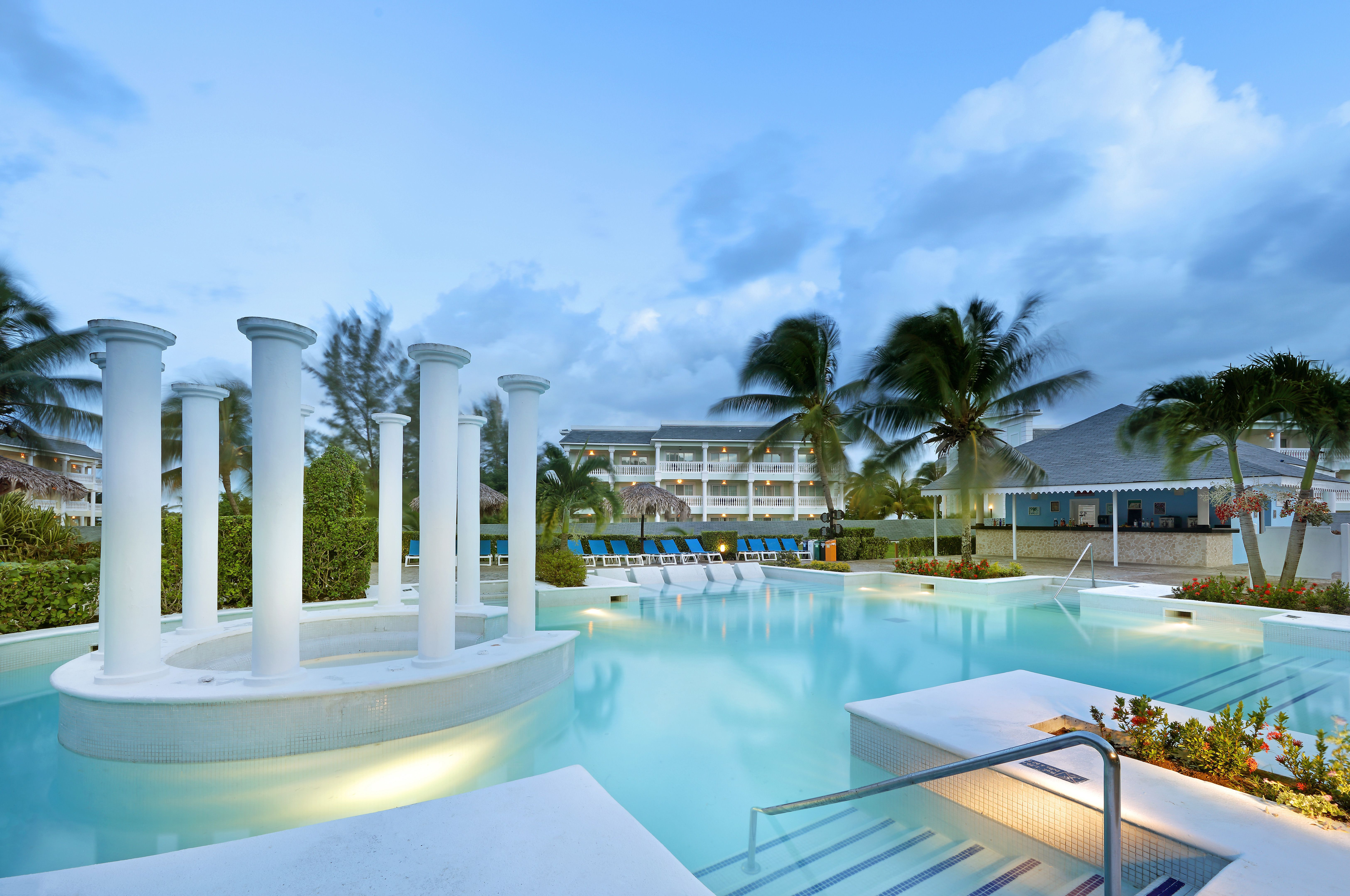 Grand Palladium Lady Hamilton Resort  Spa All Inc hotel