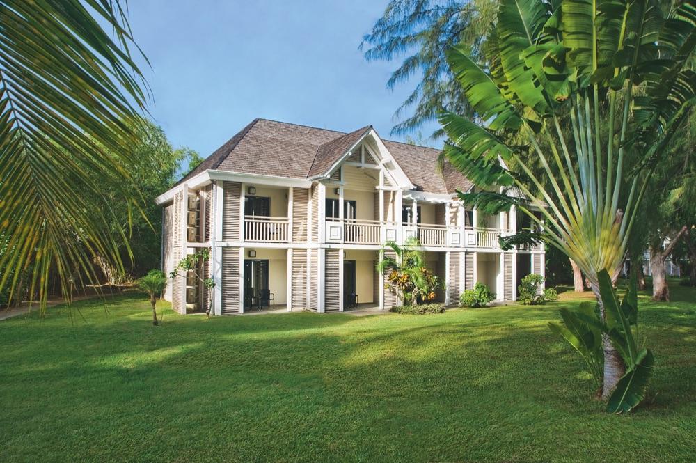 Lux saint gilles hotel en saint gilles les bains for Hotel design genes