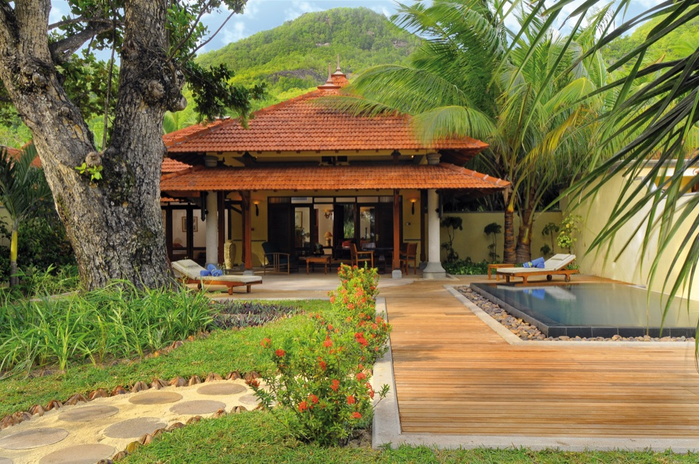 Beachcomber seychelles sainte anne resort spa hotel en for Villa de jardin mahe seychelles