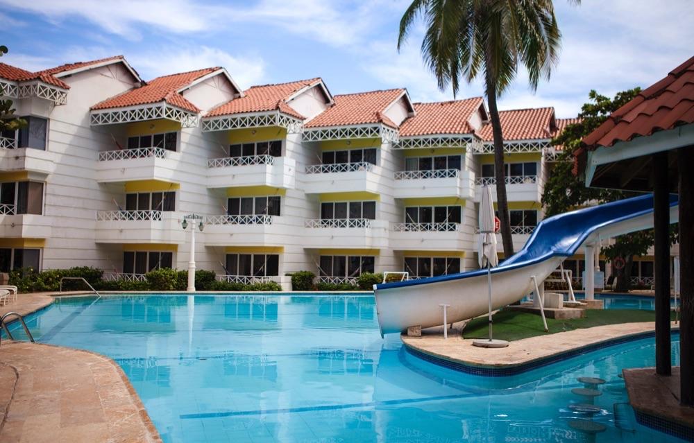 Las americas casa de playa hotel en cartagena viajes el for Alberca las americas