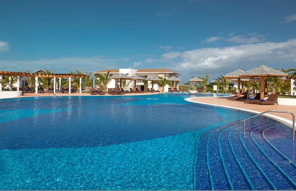 Iberostar playa pilar hotel en cayo guillermo viajes el for Piscinas el corte ingles 2017