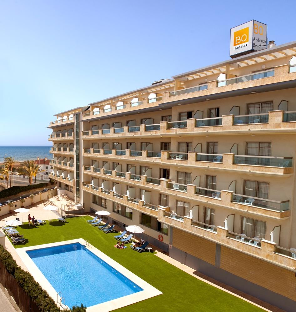 Bq andalucia beach hotel en torre del mar viajes el for Piscina torre del mar