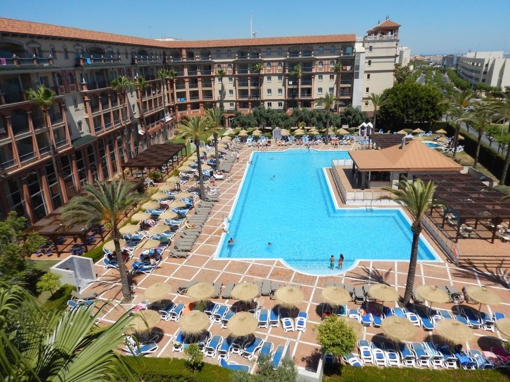 Ohtels islantilla suites hotel en islantilla viajes el for Hoteles en huelva capital con piscina