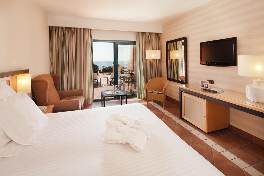 Barcel punta umbr a mar hotel en punta umbr a viajes for Habitaciones sobre el mar