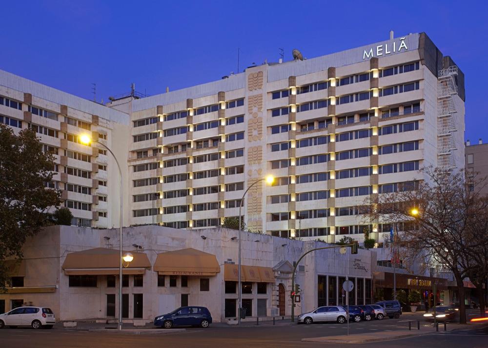 Hoteles con solarium en sevilla espa a viajes el corte for Hoteles recomendados en madrid