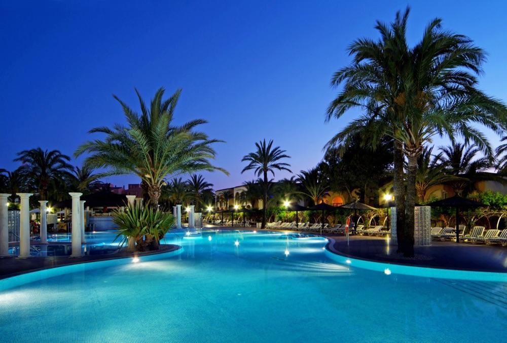 Meli atlanterra hotel en zahara de los atunes viajes for Casas con piscina zahara delos atunes