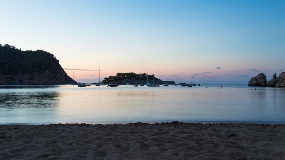 Hotel cartago hotel en puerto de san miguel viajes el for Go fit piscinas san miguel telefono
