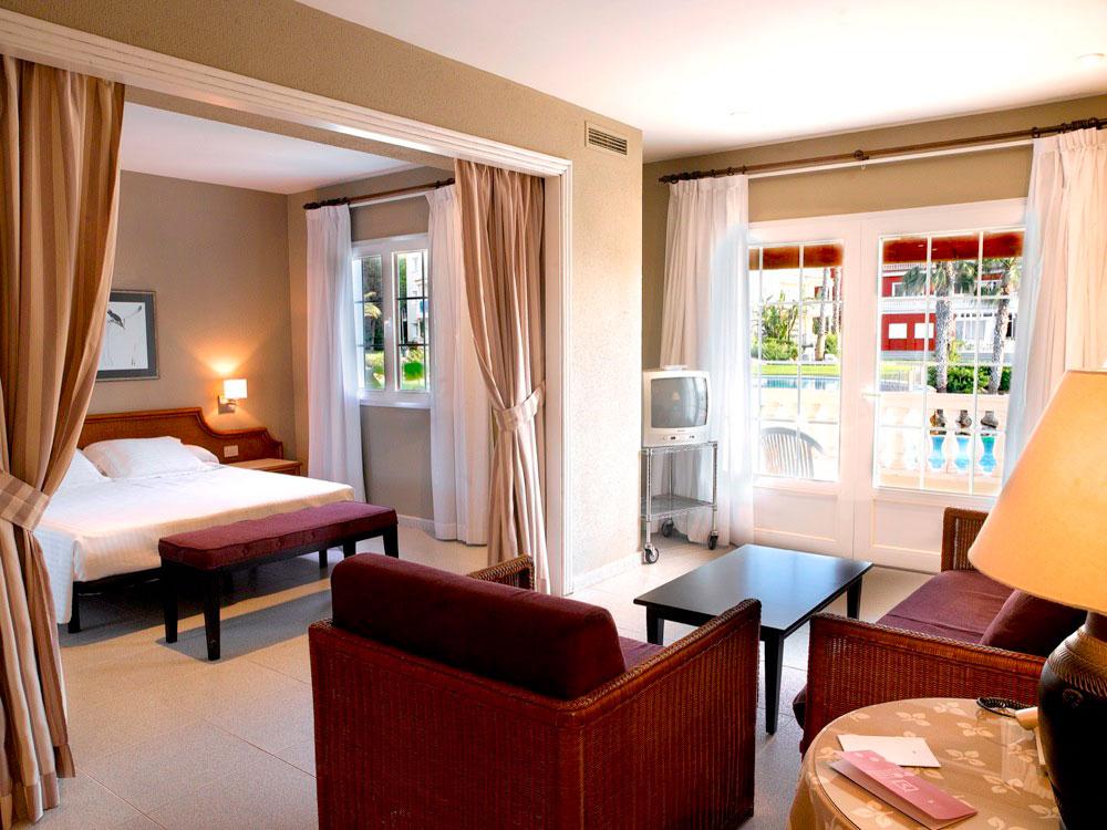 Aparthotel hg jardin de menorca hotel en son bou viajes for Aparthotel jardin