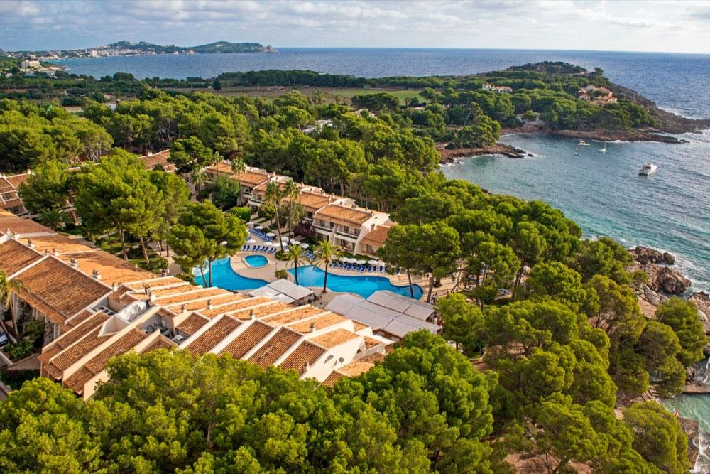 Hoteles con piscina para ni os en cala rajada espa a for Hoteles en mallorca con piscina climatizada