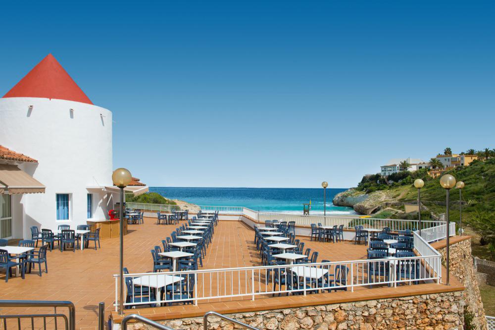 Hotel club tropicana hotel en calas de mallorca viajes for Hotel de diseno mallorca