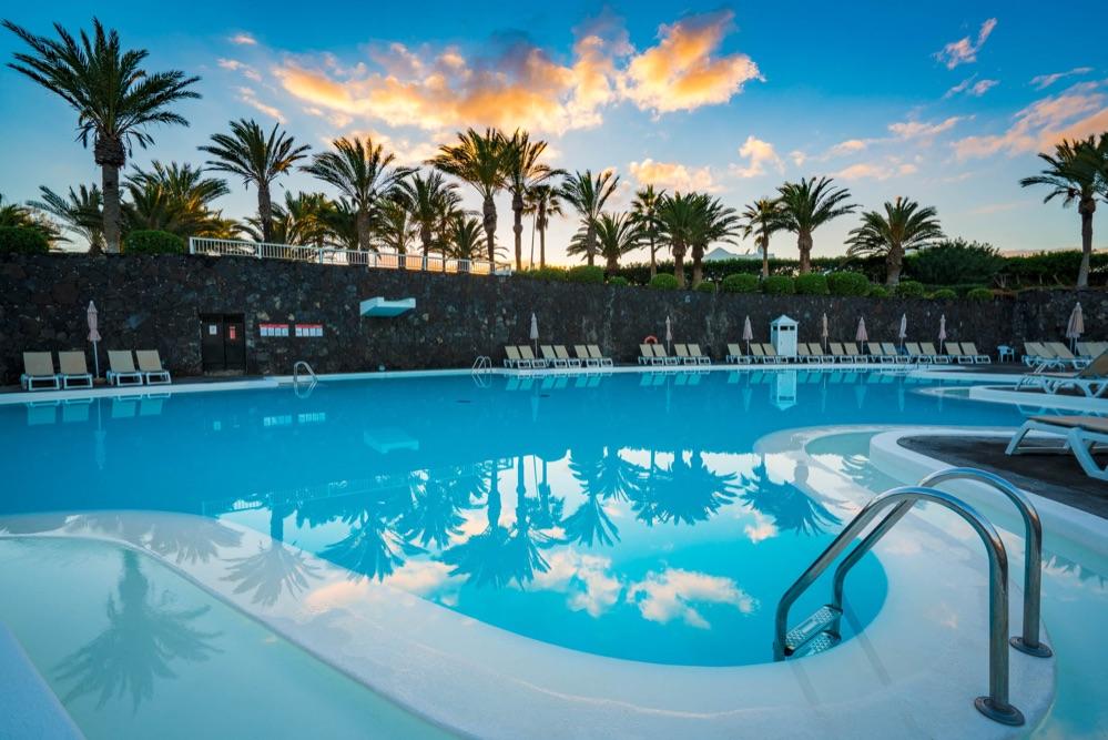 Relaxia olivina hotel en puerto del carmen viajes el for Piscinas el corte ingles 2017