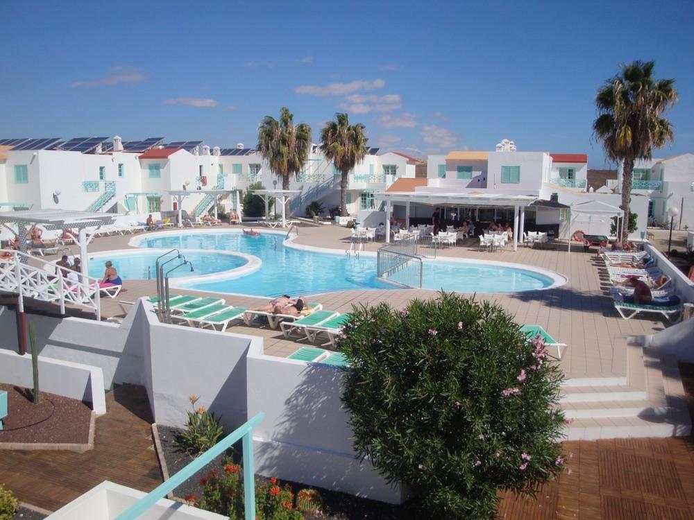 Hoteles con piscina cubierta en caleta de fuste espa a for Hoteles en madrid con piscina cubierta