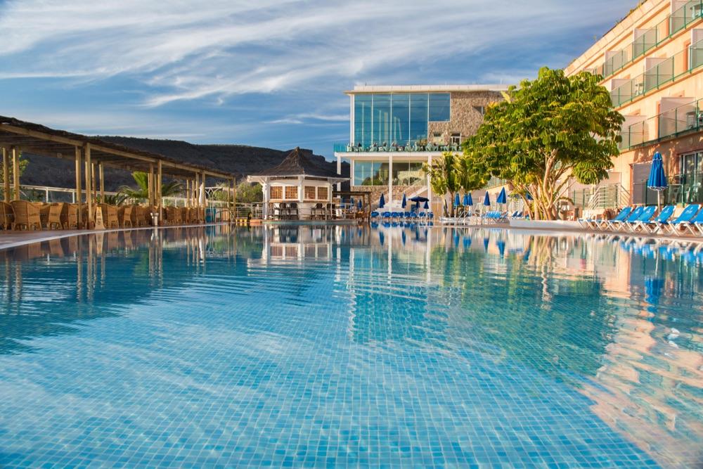 Hotel mog n princess beach club hotel en mog n viajes for Piscina can drago precios 2017