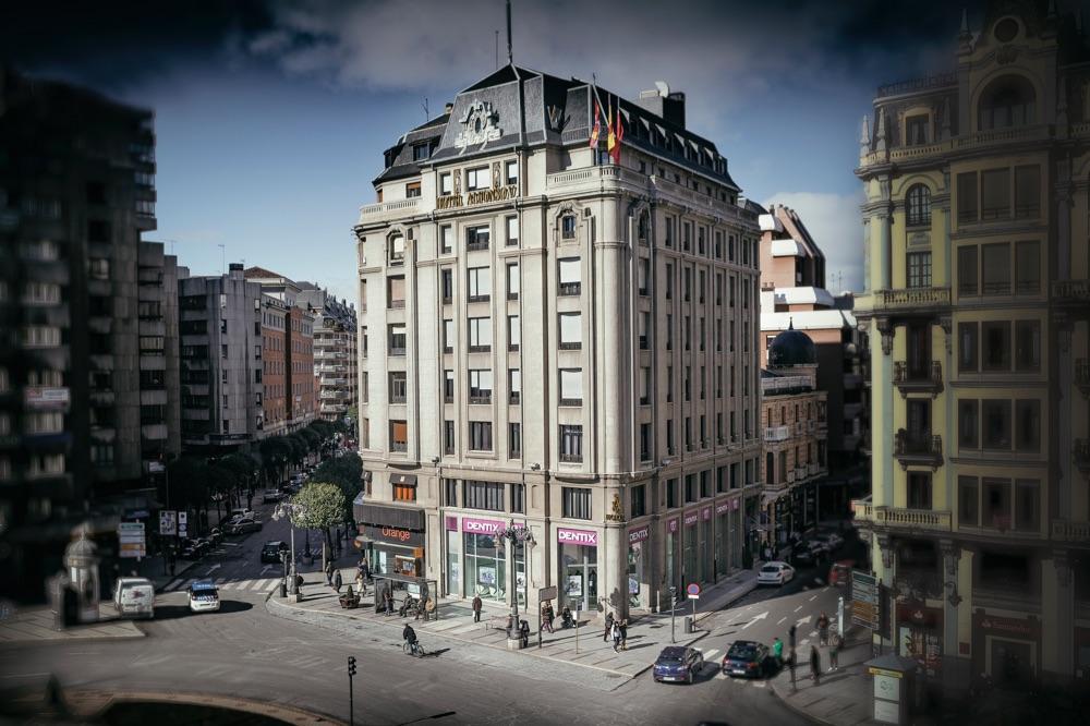 Hoteles dise o en le n provincia espa a viajes el for Hoteles diseno espana