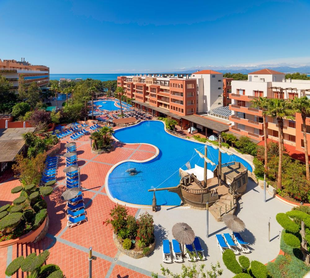 Hoteles con actividades infantiles en salou espa a for Hoteles recomendados en madrid