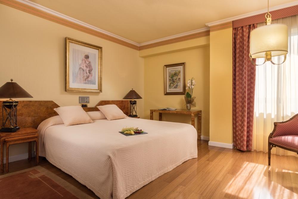 Gran hotel lugo hotel en lugo viajes el corte ingl s for Habitaciones para hoteles