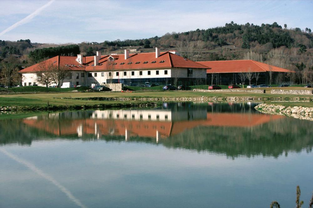 Hoteles con piscina cubierta en lugo provincia espa a for Hoteles en madrid con piscina cubierta