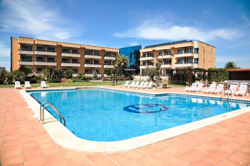 hoteles con piscina cubierta en sangenjo espa a viajes