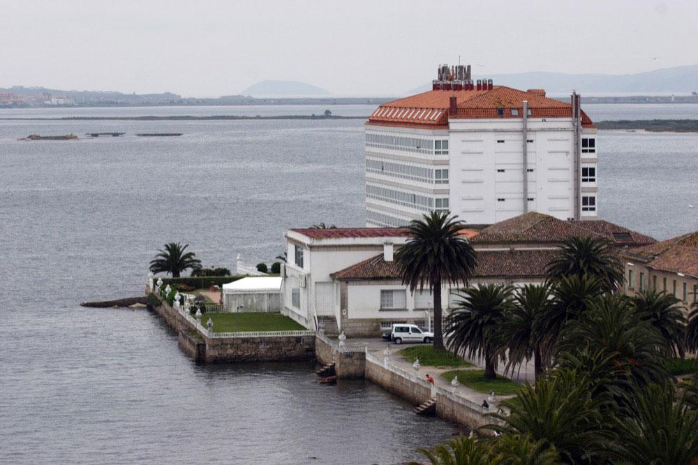 Talaso hotel louxo la toja hotel en la toja viajes el for Hotel luxury la toja