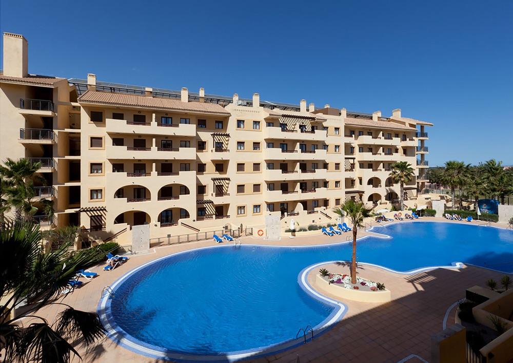 Senator mar menor golf spa resort hotel en los for Piscina los alcazares