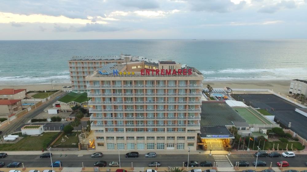 Hoteles con piscina cubierta en la manga del mar menor for Hoteles en madrid con piscina cubierta