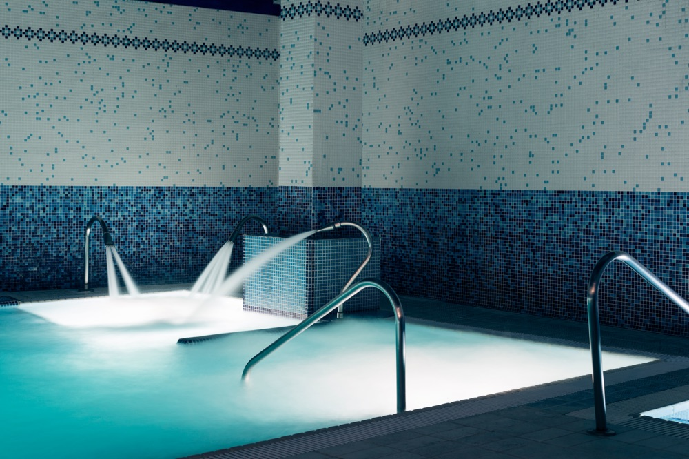 Mercure bilbao jardines de albia hotel en bilbao viajes for Spa jardines de albia ofertas