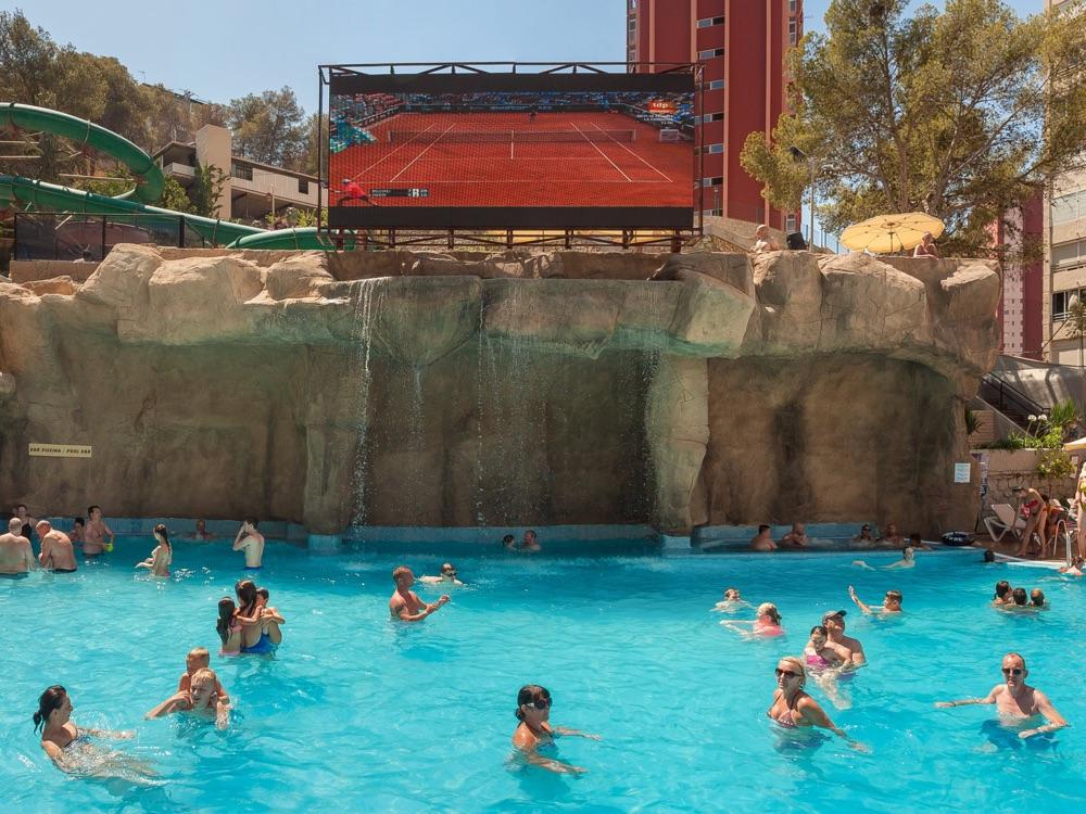 Magic aqua rock gardens hotel en benidorm viajes el corte ingl s - Hoteles con piscina cubierta en benidorm ...
