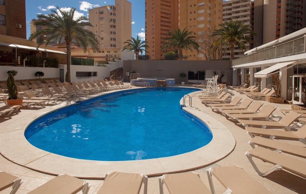 Hotel rh princesa hotel en benidorm viajes el corte ingl s for Pediluvio piscina