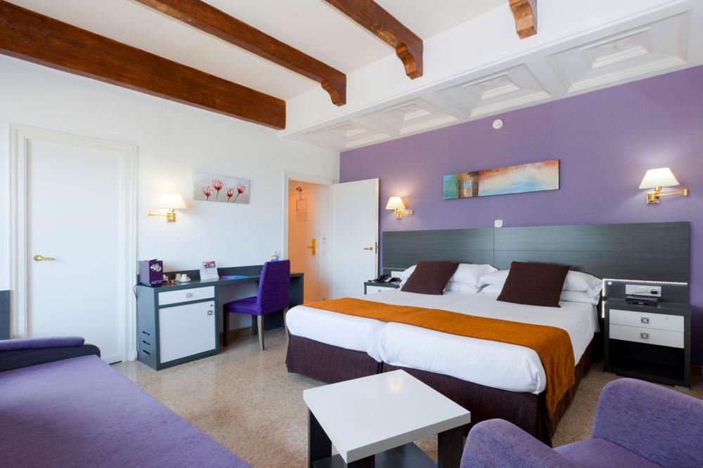hoteles con habitaciones para minusv lidos en benidorm