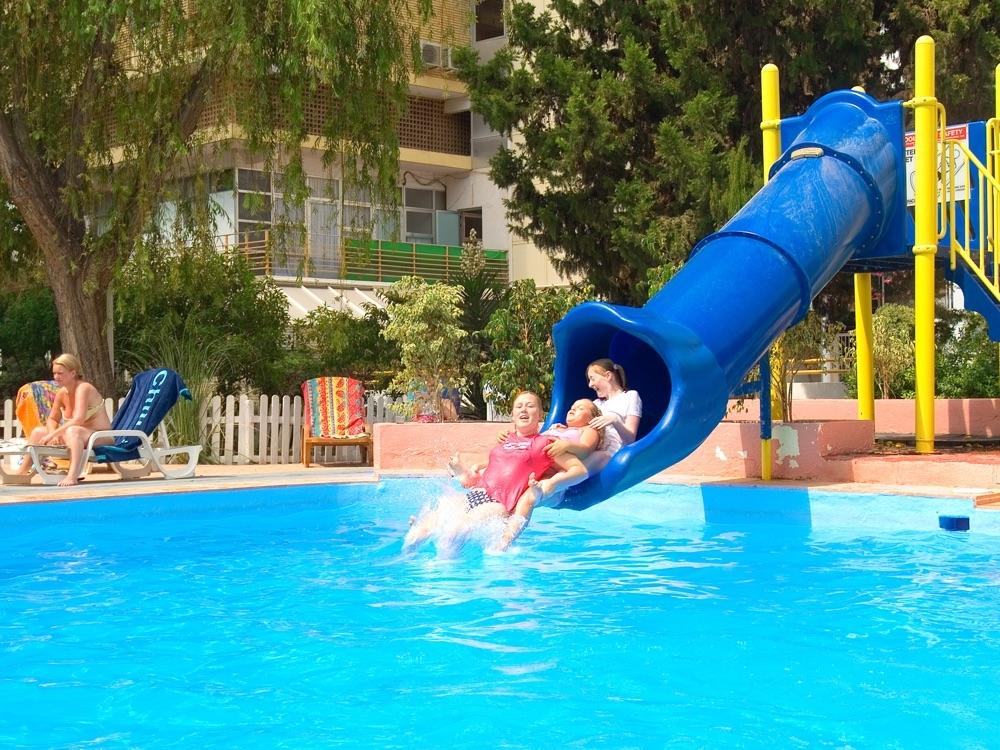 Hotel magic villa benidorm hotel en benidorm viajes el for Piscina climatizada benidorm