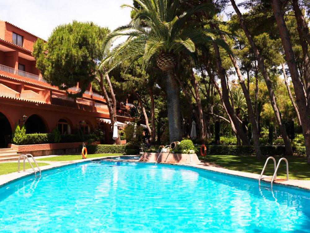 Intur bonaire hotel en benicasim viajes el corte ingl s for Piscina benicassim
