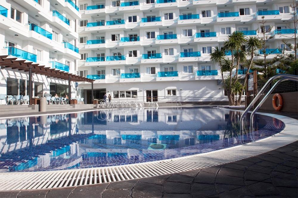 Hotel spa acuazul hotel en pe scola viajes el corte for Piscinas el corte ingles 2017