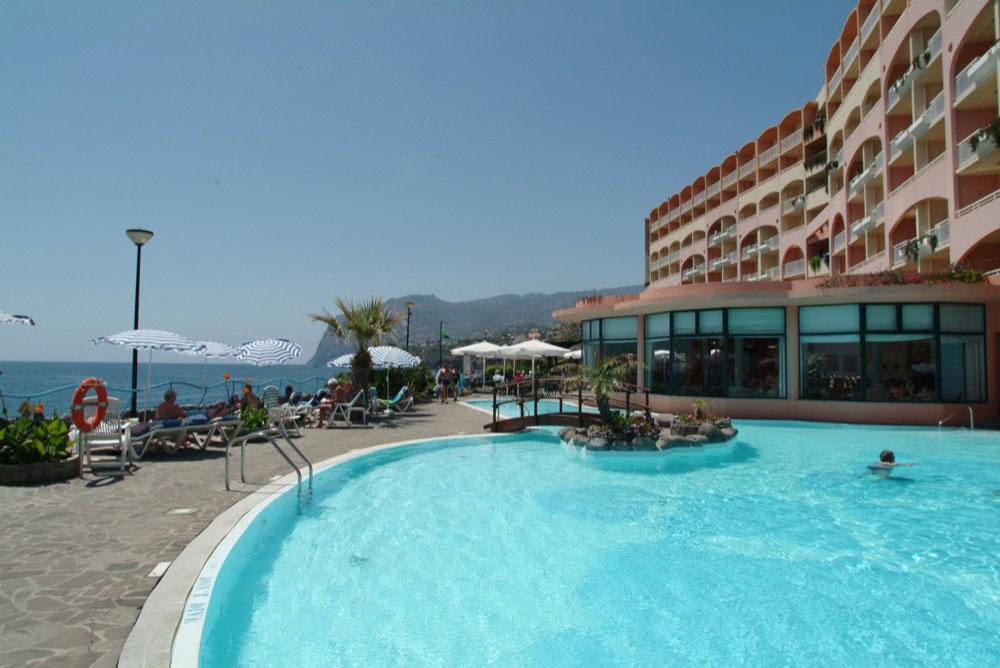 Hoteles playa en madeira isla portugal viajes el corte for Hoteles de diseno en portugal