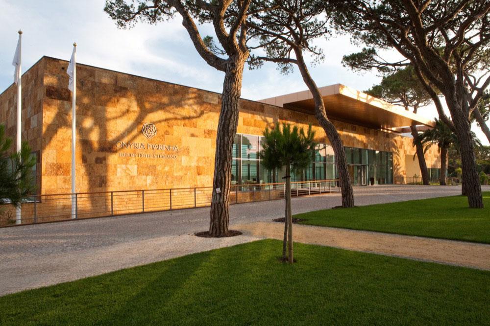 Hoteles con piscina cubierta en cascais portugal viajes for Hoteles en madrid con piscina cubierta